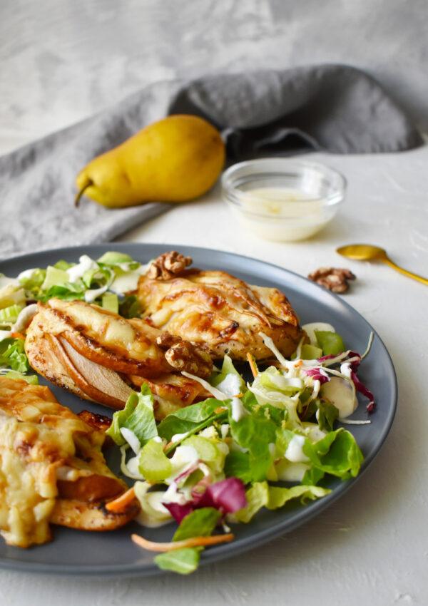 Körtés-kecskesajtos ínyenc csirkemell joghurtos-narancsos salátával